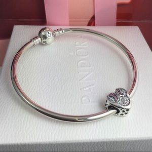 Pandora Bracelet,w/ pandora Minnie Mouse 🐭 charm